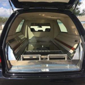 Corbillard-limousine-5places-mercedes-212-viol2-3