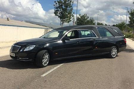 Corbillard-limousine-5places-mercedes-212-viol2