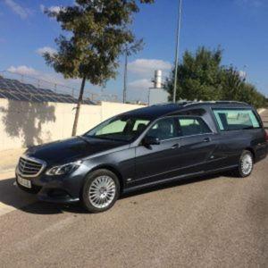 Corbillard-limousine-5places-mercedes-212-viol4-2