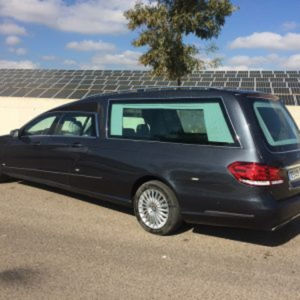 Corbillard-limousine-5places-mercedes-212-viol4-6