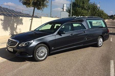 Corbillard-limousine-5places-mercedes-212-viol4