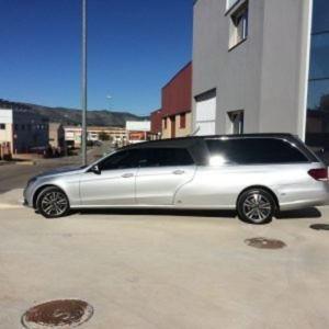 Corbillard-limousine-5places-mercedes-212-viol5-4
