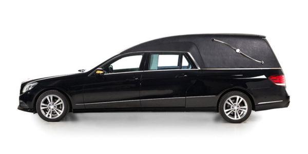 Corbillard-limousine-mercedes-212-vioh1-3