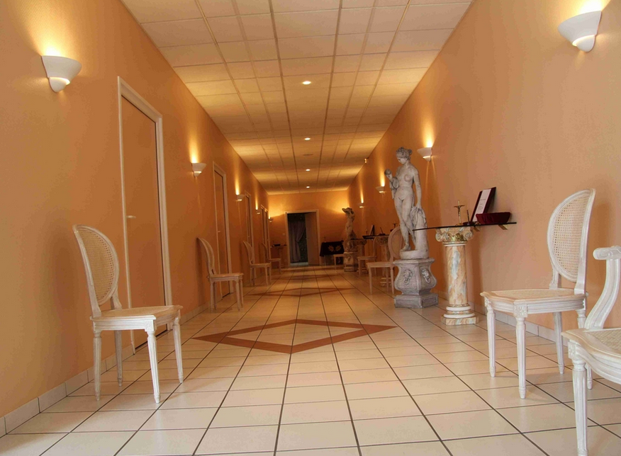 Services funeraires saint quentin v hicules fun raires for Tarif chambre funeraire