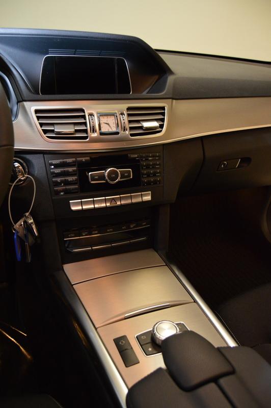 Habitacle des Mercedes Classe E VF212
