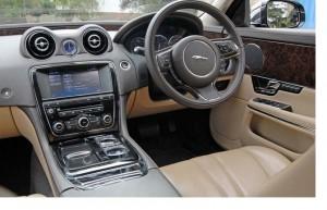 espace avant Jaguar