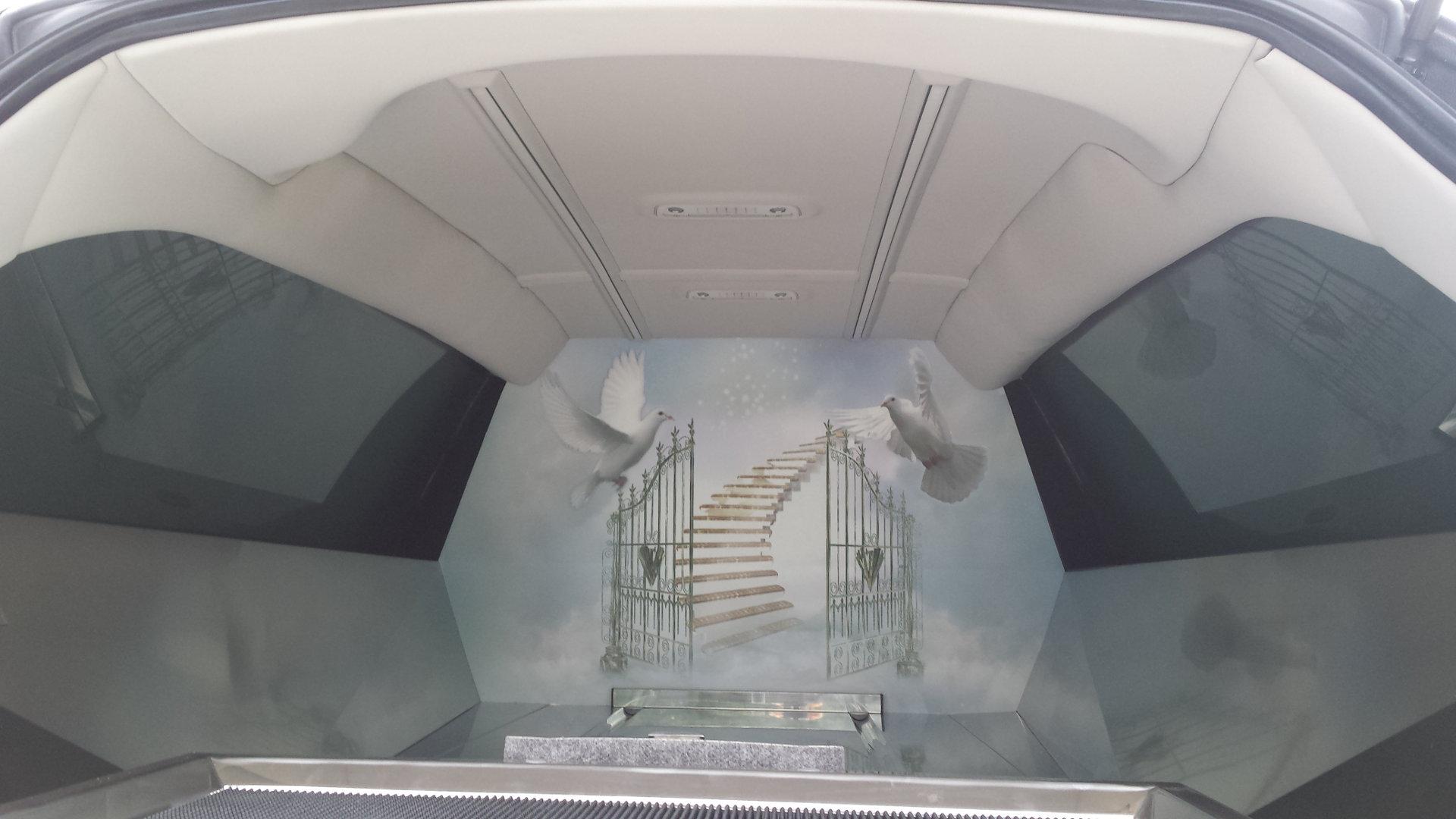 Le Paradis Blanc Mercedes limousine Bergadana