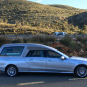 Fabriquer les corbillards limousines Mercedes Benz