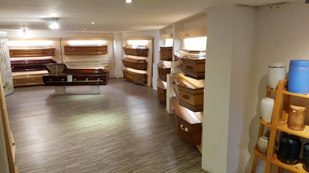exposition produits funéraires