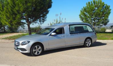 Corbillard limousine Mercedes Benz hybride