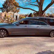 Le nouveau design de la limousine funeraire 5 places
