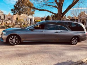 Corbillard-Mercedes-5-places